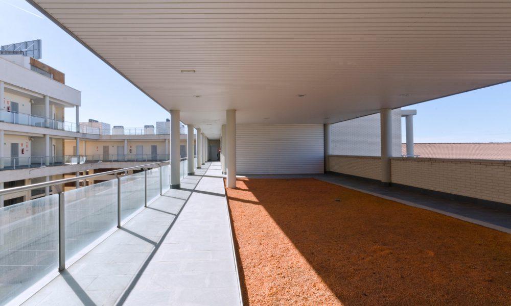Centro Comercial Locales Rivas Larvin