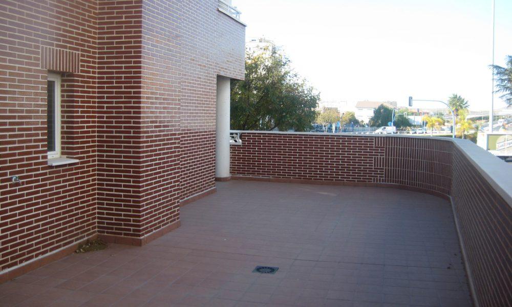 Exterior pisos Alciante Grupo Larvin