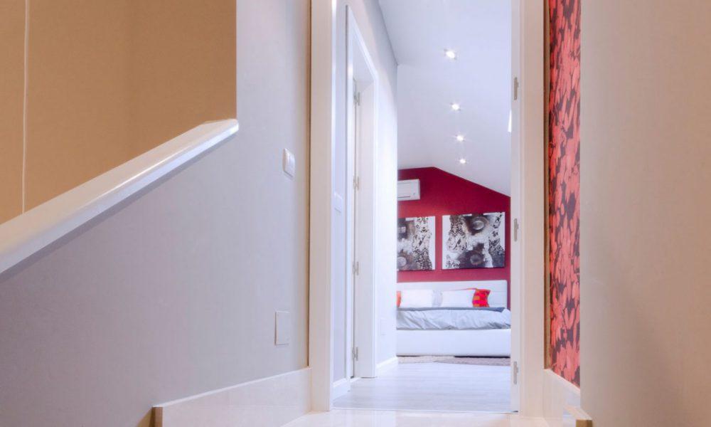 Escaleras piso Rivas